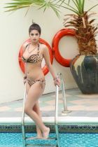 escort Komal Pool Girl — pictures and reviews
