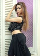 Dubai prostitute Iram Chaudhary will see you for USD 1000/hr